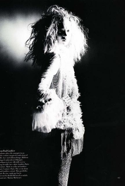 Архивная съёмка: Кейт Мосс для Harper's Bazaar, апрель 1998. Изображение № 9.