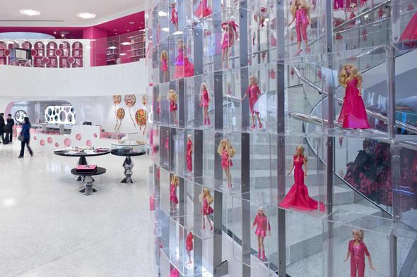 Огромный магазин Barbie вШанхае!. Изображение № 11.