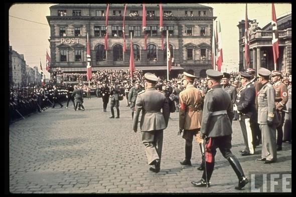 100 цветных фотографий третьего рейха. Изображение №69.