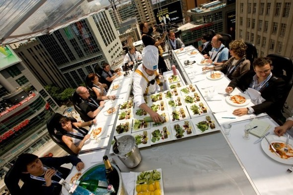 Небесный ресторан  - Dinner in the Sky. Изображение № 1.