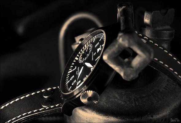 Steinhart Nav B-Uhr black. 370 EUR (19% VAT incl.). Изображение № 51.