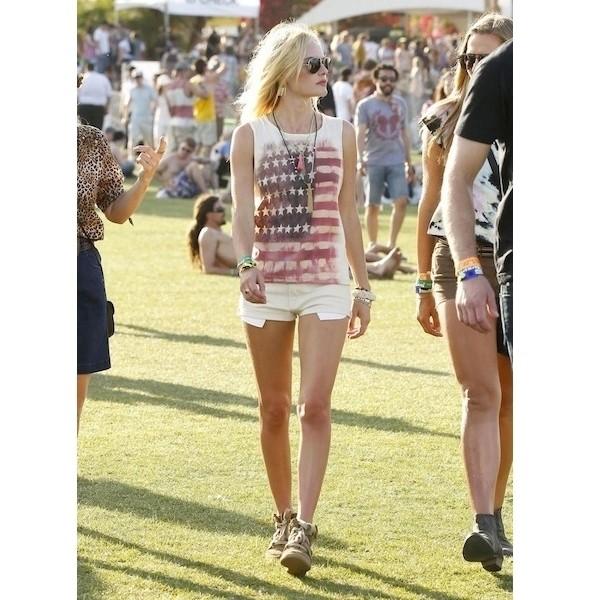 Изображение 21. Coachella: стрит-стайл.. Изображение № 1.
