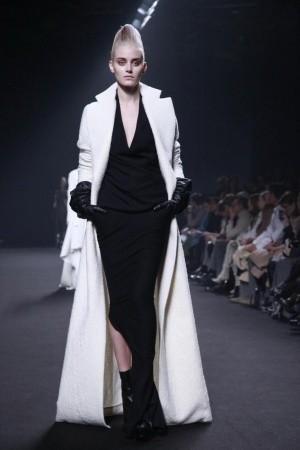 Изображение 48. Показы на Paris Fashion Week FW 2011: день 5.. Изображение № 12.