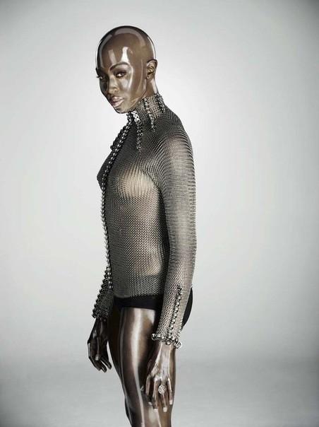 Съёмка: Naomi Campbell 4 Soon International Fall 2011. Изображение № 5.