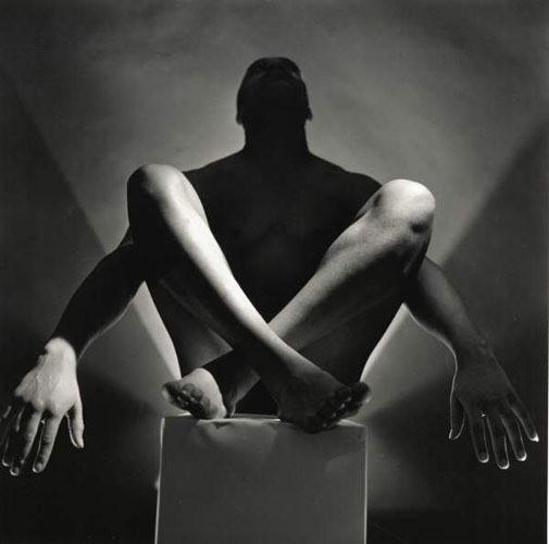 Части тела: Обнаженные женщины на винтажных фотографиях. Изображение №110.