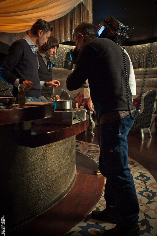 Руслан Нигматуллин и Байгали Серкебаев готовят риззото (фоторепортаж). Изображение № 10.