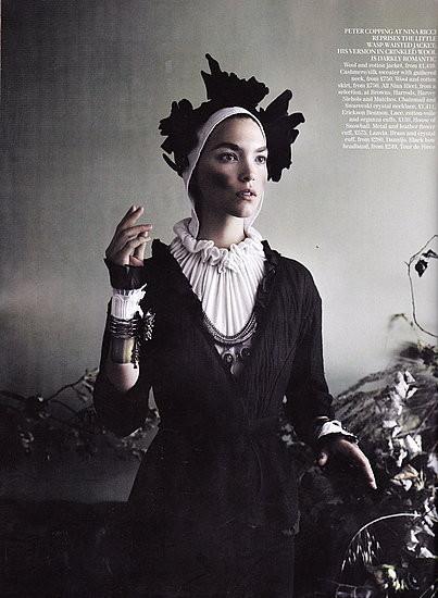 Съёмка: Аризона Мьюз и Фрея Беха Эриксен для британского Vogue. Изображение № 6.