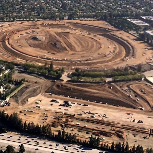 Репортёр показал стройку кампуса Apple с высоты птичьего полёта . Изображение № 6.