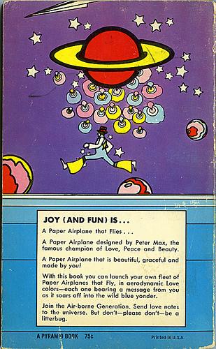 Хипповая книга 1971 года обумажных самолетиках. Изображение № 6.