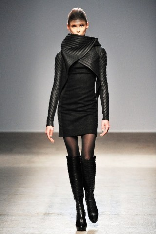 Back to black : Gareth Pugh и Victor&Rolf aw 2010-2011. Изображение № 25.
