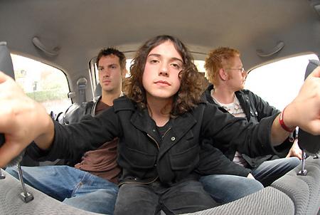 Arctic Monkeys TheKooks TheTunics. Изображение № 2.