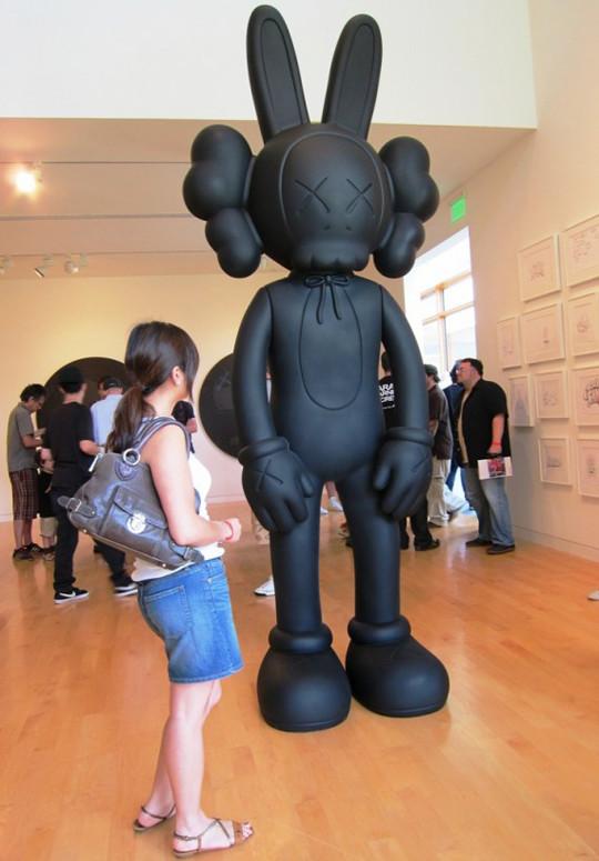 Выставка художника и дизайнера KAWS. Изображение № 7.