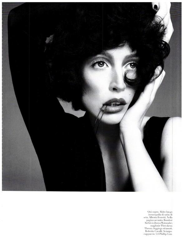 Съёмка: Ракель Зиммерманн для Vogue. Изображение № 12.