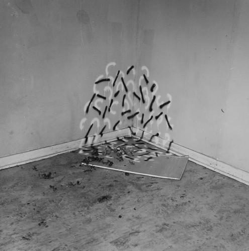 John Divola. Фотографический вандализм. Изображение № 12.