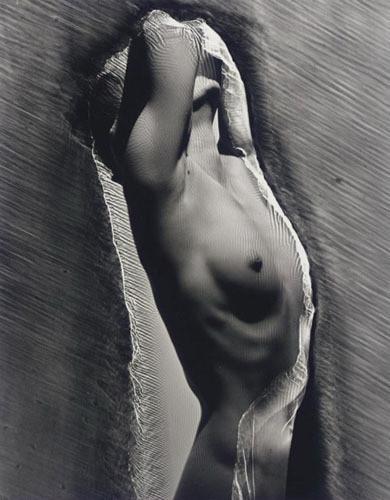Части тела: Обнаженные женщины на винтажных фотографиях. Изображение №96.