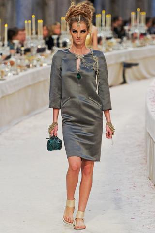 Chanel показали пре-осеннюю коллекцию. Изображение № 69.