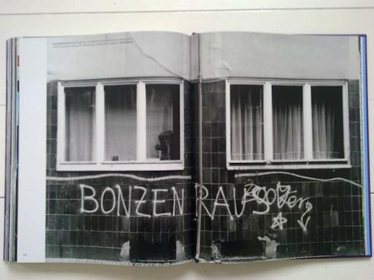 10 альбомов о современном Берлине: Бунт молодежи, панки и знаменитости. Изображение №125.