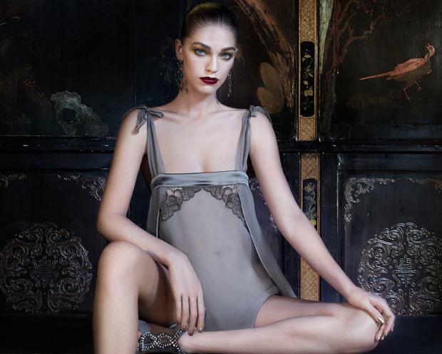 Лукбук осенне-зимней кампании бренда нижнего белья La Perla. Изображение № 7.