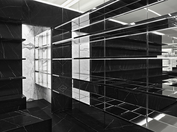 Эди Слиман разработал дизайн бутика Saint Laurent. Изображение № 3.