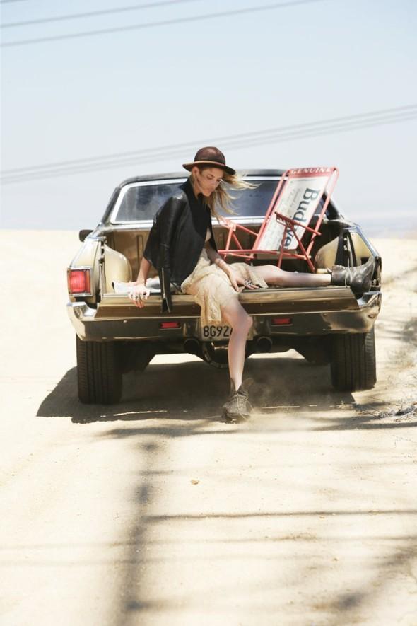 Съёмка: Эшли Смит для Oyster. Изображение № 7.
