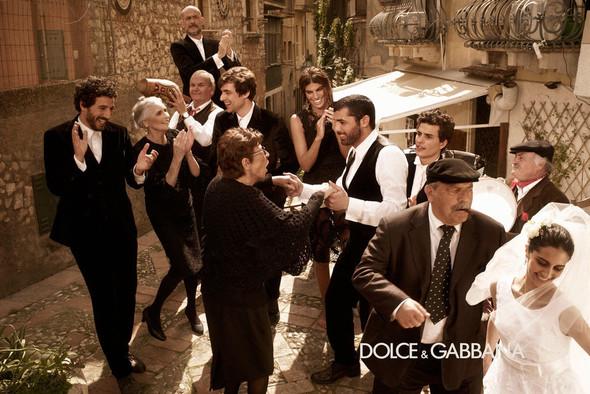 Кампании: Balenciaga, Celine, Dolce & Gabbana и другие. Изображение № 20.