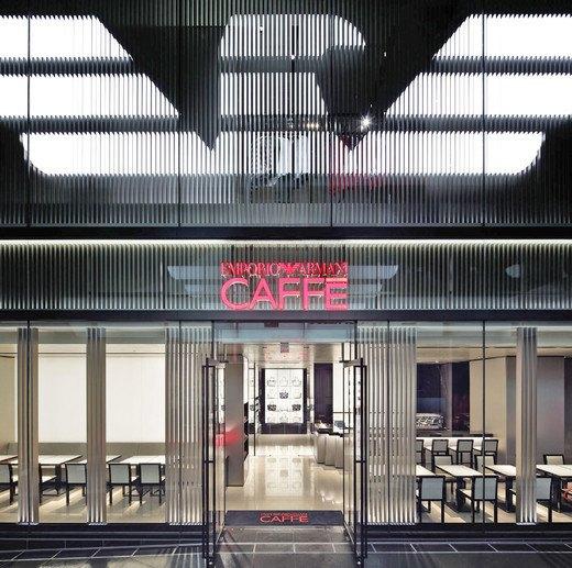 Emporio Armani, Mulberry и Versace открыли новые магазины. Изображение № 10.