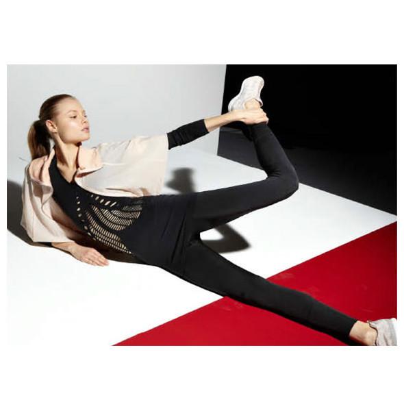 Стелла Маккартни создала светящуюся одежду для Adidas. Изображение № 14.