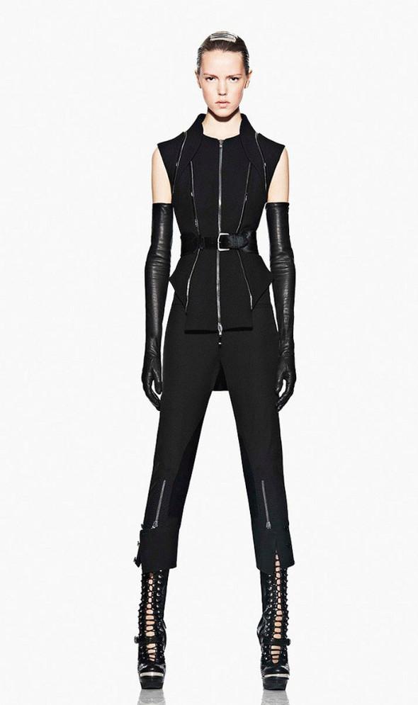 Лукбук: Alexander McQueen FW 2011. Изображение № 21.