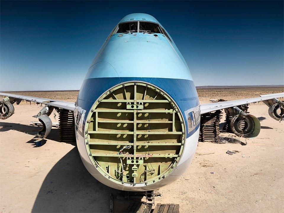 Кладбище самолётов  в выжженной пустыне . Изображение № 21.