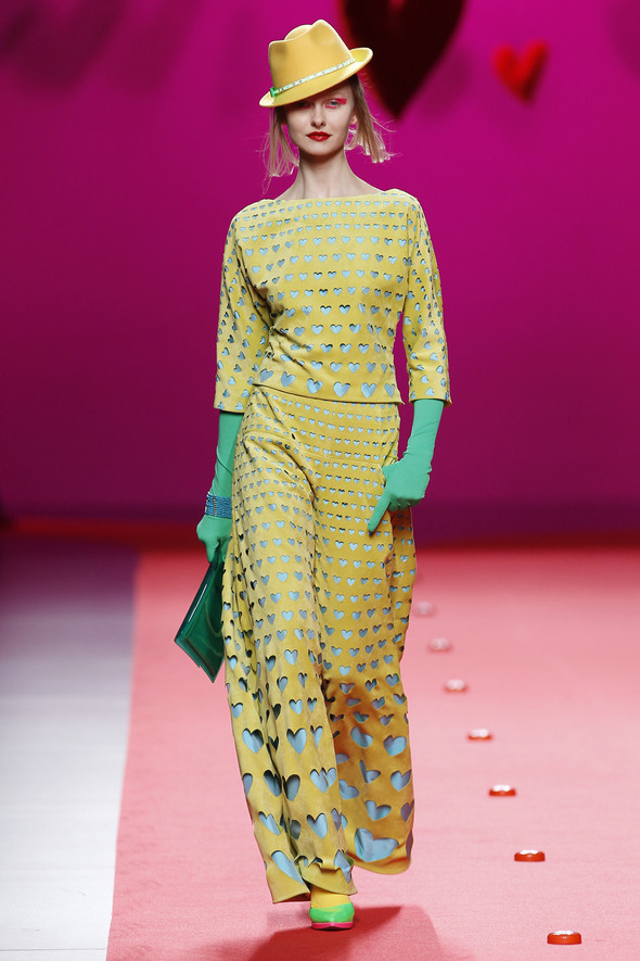 Испанцы Fall Winter 2011/2012: AGATHA RUIZ DE LA PRADA. Изображение № 7.