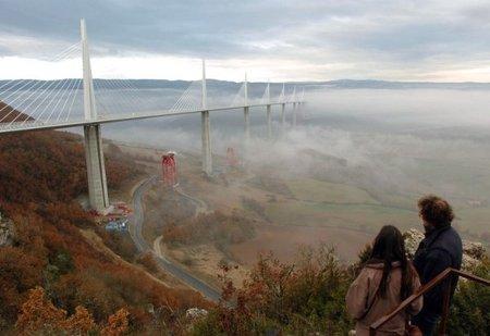 Самый высокий транспортный мост вмире. Изображение № 1.
