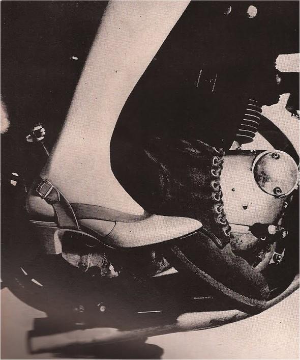 Архивная съёмка: Джин Шримптон и Стив Маккуин для Harper's Bazaar. Изображение № 5.
