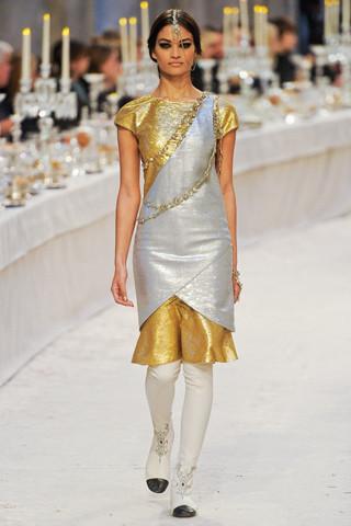Chanel показали пре-осеннюю коллекцию. Изображение № 71.