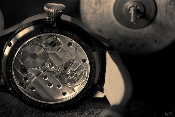 Steinhart Nav B-Uhr black. 370 EUR (19% VAT incl.). Изображение № 49.