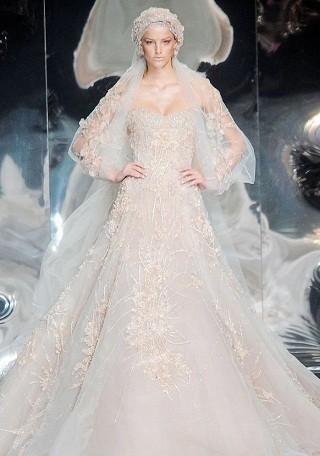 """""""Выбираем свадебное платье!"""" 93 идеи ведущих дизайнеров. Изображение № 29."""