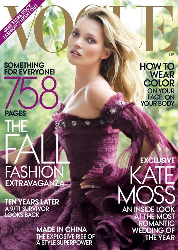 Для сентябрьской обложки американского Vogue снялась Кейт Мосс. Изображение № 1.