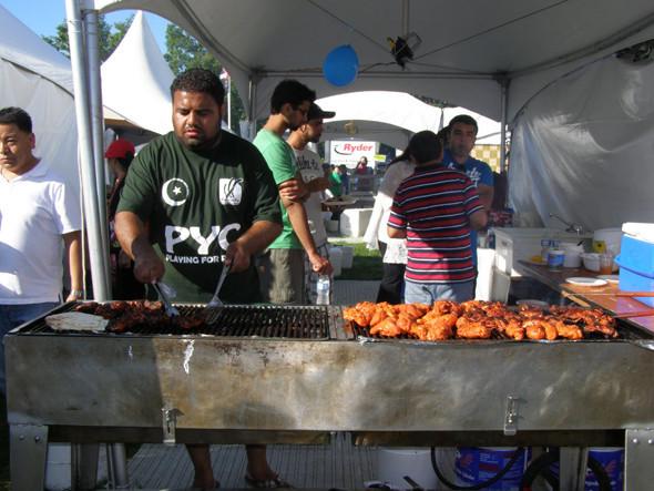 Как и на большинстве фестивалей, на Fusion продается кухня разных народов мира. Изображение №20.