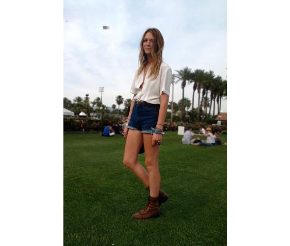 Стрит-стайл на фестивале Coachella. Изображение № 12.