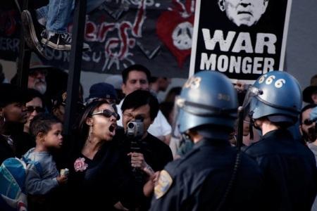 Antony Kurtz фотография протеста. Изображение № 6.