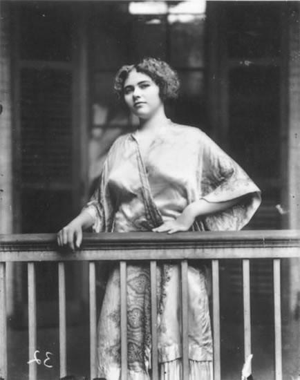 Фотосессия жриц любви 1912 года. Изображение № 31.