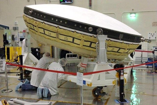 NASA готовится к испытанию «летающей тарелки» для высадки на Марс. Изображение № 1.
