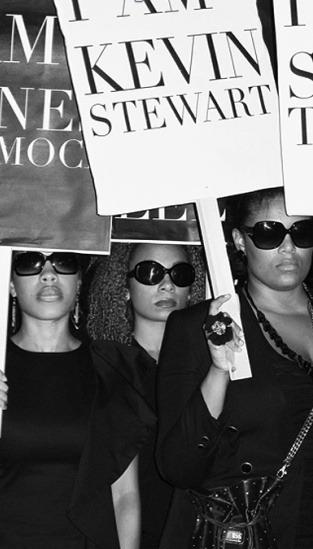 Главные протесты в моде: От человеческих волос до голой демонстрации. Изображение № 10.