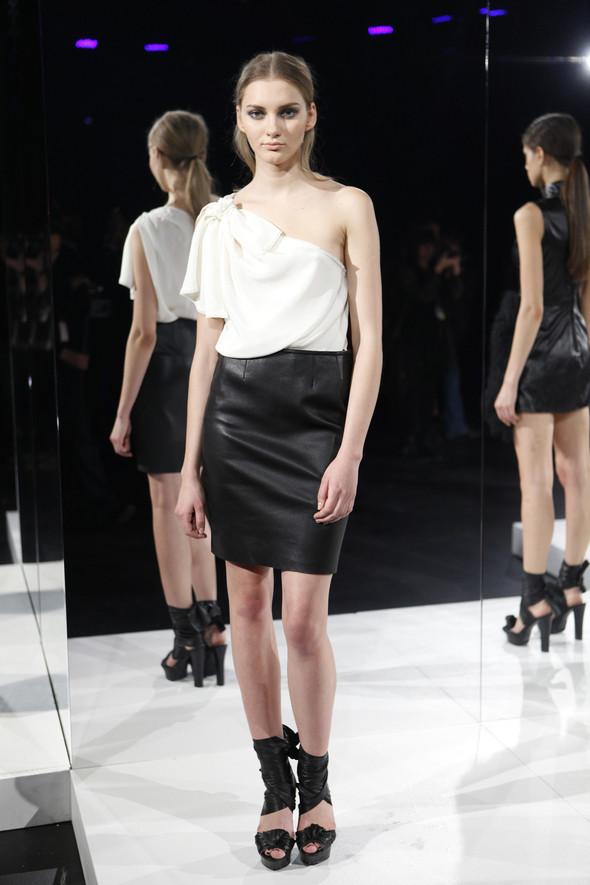 Изображение 2. Кира Пластинина показала новую коллекцию на неделе моды в Нью-Йорке.. Изображение № 2.