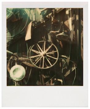 20 фотоальбомов со снимками «Полароид». Изображение №300.
