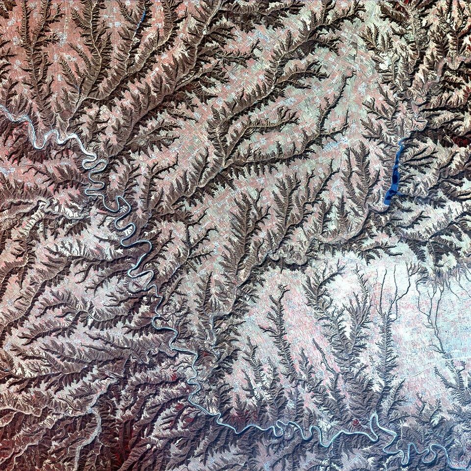 Как выглядит Китай: Сюрреалистичные фотографии из космоса. Изображение № 10.