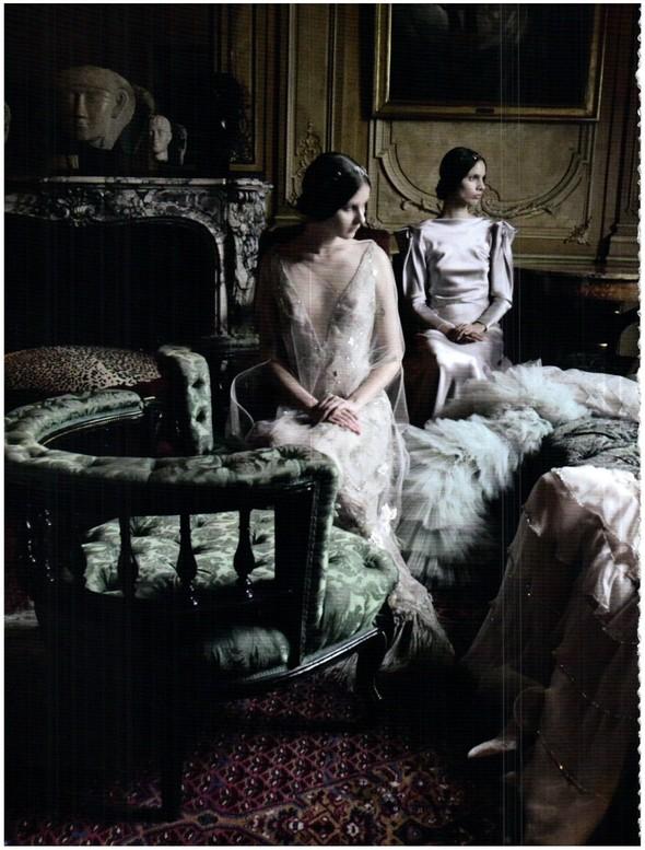 Съёмка: Кутюр Valentino в итальянском Vogue. Изображение № 4.