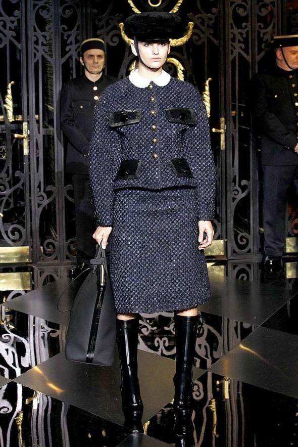 Изображение 1. Louis Vuitton Fall 2011.. Изображение № 1.