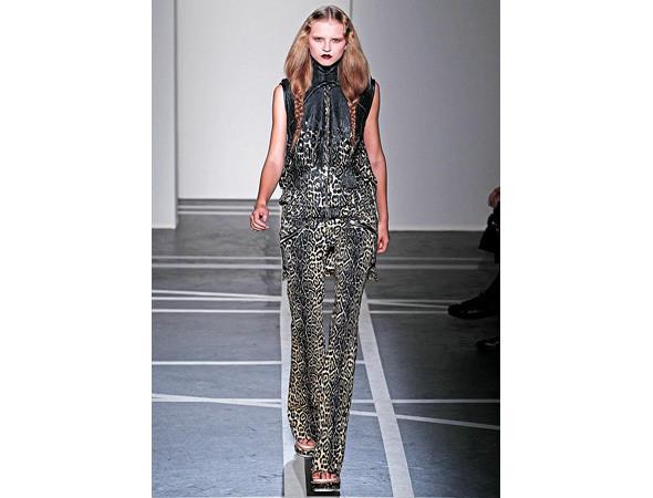 Givenchy SS 2011 . Изображение № 114.