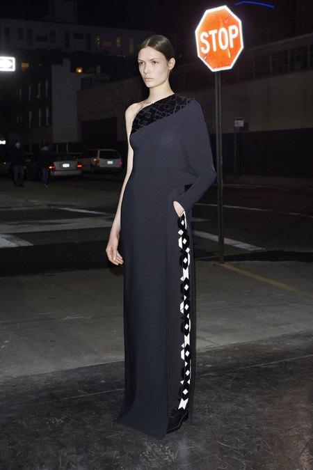 Вышли предосенние коллекции Givenchy, Celine, Chloe и других марок. Изображение № 5.