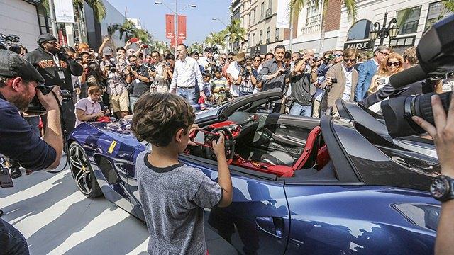 Фото: выставка суперкаров Ferrari в Беверли-Хиллз. Изображение № 11.